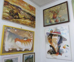 В Полтаві триває благодійна виставка «Українське літо»